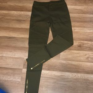 Army green Moto pants zipper at the ankle